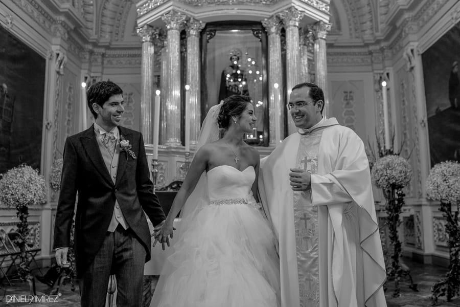 sacerdote para bodas