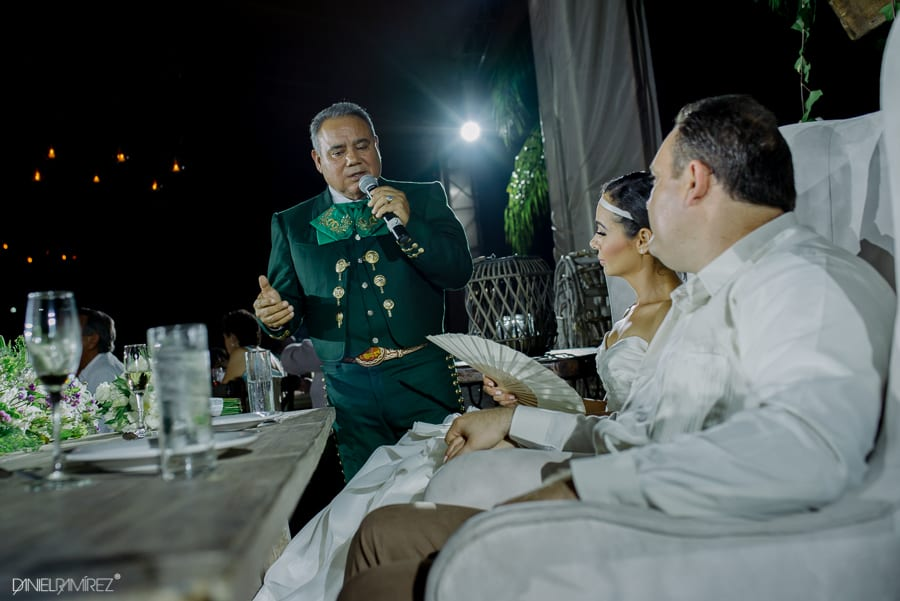boda enrique levet